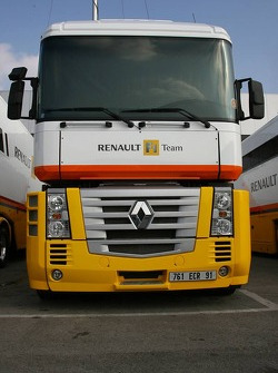 Renault F1 Team transporters