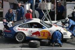 Pitstop for #73 Tafel Racing Porsche GT3 Cup: Lars Eric Nielsen, Dieter Quester, Brent Martini, Philipp Peter