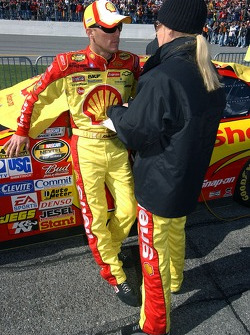 Kevin and Delana Harvick before the race