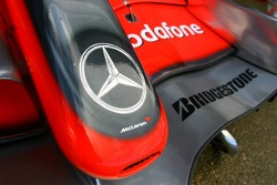 McLaren Mercedes, MP4-22, Front wing / Nose