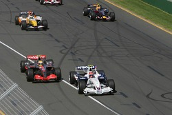 Robert Kubica, BMW Sauber F1 Team, F1.07 and Lewis Hamilton, McLaren Mercedes, MP4-22