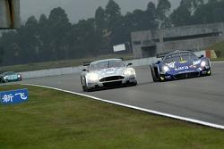#17 Barwell Motorsport Aston Martin DBR9: Jonny Kane, Jonathan Cocker, #12 Scuderia Playteam Sarafree Maserati MC 12 GT1: Giambattista Giannoccaro, Alessandro Pier Guidi