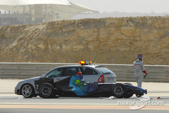 Accident for Jenson Button, Honda Racing F1 Team, and Scott Speed, Scuderia Toro Rosso
