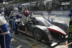 Pitstop for #8 Peugeot Total Peugeot 908 HDI FAP: Pedro Lamy, Stéphane Sarrazin