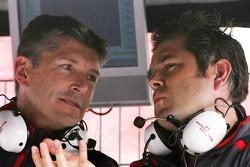 Nick Fry, Honda Racing F1 Team, Chief Executive Officer , Gil de Ferran, Honda Racing F1 Team, Sporting Director
