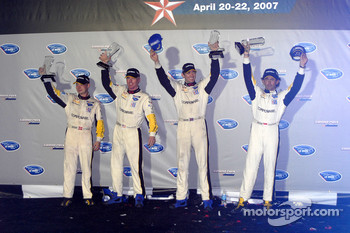 GT1 podium: class winners Johnny O'Connell and Jan Magnussen, second place Oliver Gavin and Olivier Beretta
