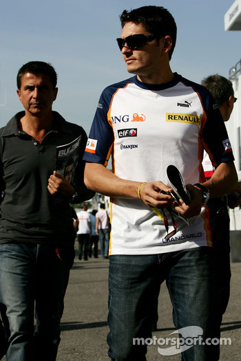 Giancarlo Fisichella, Renault F1 Team and his manager Enriquo Zanarini