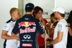 Valtteri Bottas, Williams; Daniel Ricciardo, Red Bull Racing; Roberto Merhi, Manor F1 Team and Nico Rosberg, Mercedes AMG F1 on the drivers parade