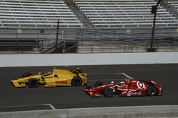 Ryan Hunter-Reay, Andretti Autosport Honda and Scott Dixon, Chip Ganassi Racing Chevrolet
