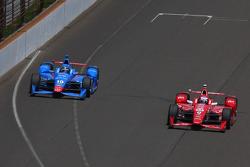 Tony Kanaan, Chip Ganassi Racing Chevrolet and Scott Dixon, Chip Ganassi Racing Chevrolet