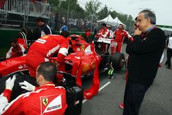 Sergio Marchionne, Ferrari-Präsident und Geschäftsführer von Fiat Chrysler Automobiles, in der Startaufstellung