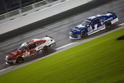 Ryan Reed, Roush Fenway Racing Ford and Elliott Sadler, Roush Fenway Racing Ford