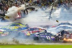 Austin Dillon, Richard Childress Racing Chevrolet in huge crash at the finish