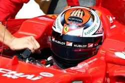 Kimi Raikkonen, Ferrari SF15-T con un homenaje a Jules Bianchi