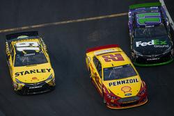 Carl Edwards, Joe Gibbs Racing Toyota, Denny Hamlin, Joe Gibbs Racing Toyota, Joey Logano, Team Penske Ford