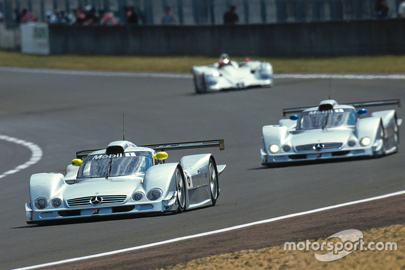 kto chce mercedes clr from lemans 1999 for. Black Bedroom Furniture Sets. Home Design Ideas