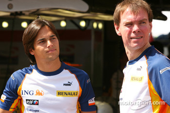 Nelson A. Piquet, Test Driver, Renault F1 Team and Alan Permaine, Renault F1 Team, Engineer
