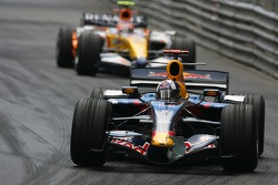 David Coulthard, Red Bull Racing, RB3 and Heikki Kovalainen, Renault F1 Team, R27