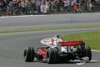 Pole Position, 1st, Lewis Hamilton, McLaren Mercedes, MP4-22