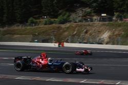 Vitantonio Liuzzi, Scuderia Toro Rosso, back Felipe Massa, Scuderia Ferrari