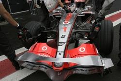 Fernando Alonso, McLaren Mercedes, front bodywork detail