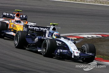 Alexander Wurz, Williams F1 Team, Heikki Kovalainen, Renault F1 Team