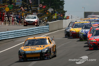 Start: Matt Kenseth takes the lead