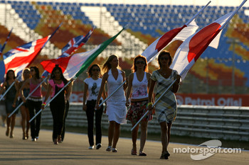 Grid girls practice