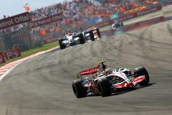 Lewis Hamilton, McLaren Mercedes, MP4-22, Robert Kubica, BMW Sauber F1 Team, F1.07