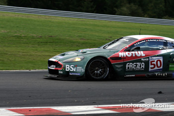 Bus stop: #50 Amr Larbre Competition Aston Martin DBR9: Christophe Bouchut, Gabriel Gardel, Fabrizio Gollin