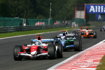 Jarno Trulli, Toyota Racing, TF107, Jenson Button, Honda Racing F1 Team, RA107