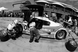 Pitstop for #01 TELMEX Chip Ganassi with Felix Sabates Lexus Riley: Scott Pruett, Memo Rojas, Salvador Duran