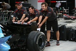 Murray Walker, Helps push the Honda Formula 1 car during pit stop practice