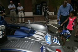 Petit Preview Party at Atlantic Station: young fans check out the Lowe's Fernandez Racing Lola B06-43 Acura