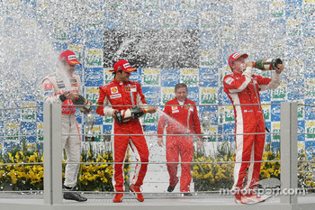 Podium: champagne for Kimi Raikkonen, Fernando Alonso, Felipe Massa and  Jean Todt