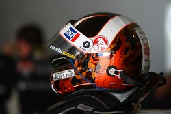 Jason Richards's helmet (Tasman Motorsport Pty Ltd Commodore VE)
