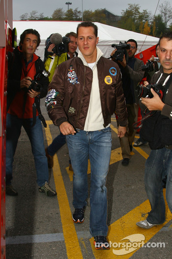 Michael Schumacher, Test Driver, Scuderia Ferrari, F2007 arrives at the circuit to begin testing for Scuderia Ferrari