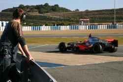 Ralf Schumacher, Force India F1 Team watches Gary Paffett, Test Driver, McLaren Mercedes