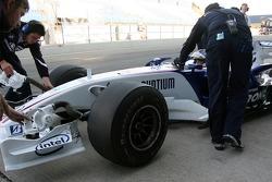 Nick Heidfeld, BMW Sauber F1 Team, slcik tyres