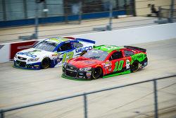 Danica Patrick, Stewart-Haas Racing Chevrolet and Casey Mears, Germain Racing Chevrolet