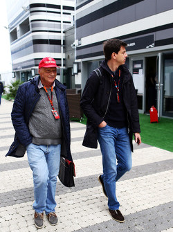 Niki Lauda, Mercedes Non-Executive Chairman met Toto Wolff, Mercedes AMG F1 Shareholder en Executive Director