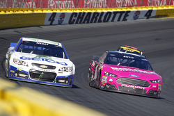 Casey Mears, Germain Racing Chevrolet and Greg Biffle, Roush Fenway Racing Ford
