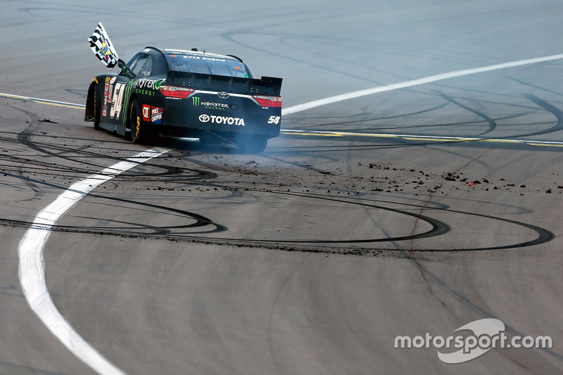 Kyle Busch pakt 75ste zege in NASCAR Xfinity Series