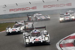 #18 Porsche Team Porsche 919 Hybrid: Romain Dumas, Neel Jani, Marc Lieb and #17 Porsche Team Porsche 919 Hybrid: Timo Bernhard, Mark Webber, Brendon Hartley
