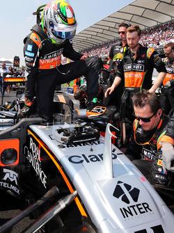 Sergio Perez, Sahara Force India F1 VJM08 on the grid