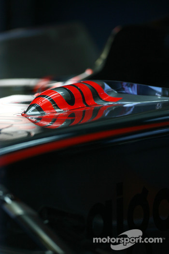 McLaren Mercedes, MP4-23 detail