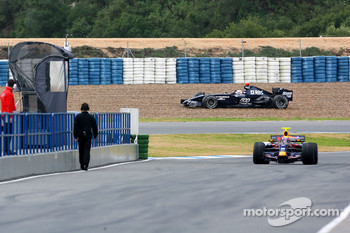 Nico Hulkenberg, Test Driver, WilliamsF1 Team, stops in the gravel