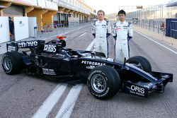 Williams F1 Team photoshoot: Nico Rosberg, WilliamsF1 Team, FW30 and Kazuki Nakajima, Williams F1 Team, FW30
