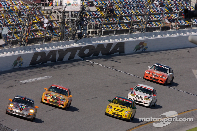 Race action in the trioval