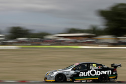 Paul Dumbrell (Autobarn Racing Team Commodore VE)